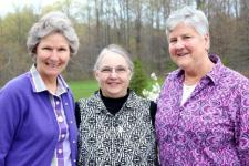 Sisters Anne Wambach, Edith Bogue, Stephanie Schmidt