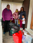 A family receives its gifts